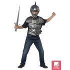 Bruņinieka komplekts - ķivere, zobens un bruņas.