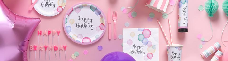 Dzimšanas diena pasteļu toņos - svētku dekorācijas, hēlija baloni, trauki